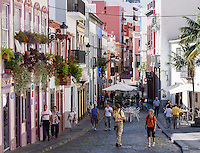 The shopping street Calle Perez de Brito at Santa Cruz.