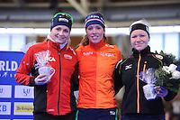 SCHAATSEN: BERLIJN: Sportforum Berlin, 07-12-2014, ISU World Cup, Podium 1500m Ladies Division B, Hege Bøkko (NOR), Antoinette de Jong (NED), Isabelle Ost (GER), ©foto Martin de Jong