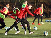 Branimir Hrgota (Eintracht Frankfurt) gegen Marijan Cavar (Eintracht Frankfurt) - 14.02.2018: Eintracht Frankfurt Training, Commerzbank Arena