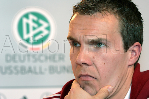 German national soccer team goalkeeper Robert Enke is pictured during a press conference in Duesseldorf, Germany, Monday, 26 March 2007. Germany faces Denmark in an international friendly at the MSV-Arena stadium in Duisburg coming Wednesday. It is expected that Enke will be a starter against Denmark. Photo: Achim Scheidemann/Actionplus  UK Use Only