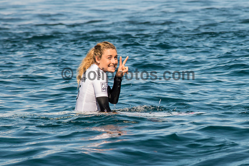 Namotu Island, Fiji (Tuesday, June 2, 2015) Nikki Van Dijk (AUS).- Action continued today at the fifth stop on the 2015 WSL Championship Tour (CT), the Fiji Women&rsquo;s Pro, with a day of high drama and high scores. The world&rsquo;s best female surfers posted four nine-point rides as competition ran through Rounds 2 and 3 in solid surf at Cloudbreak. <br />  <br /> Rookie Tatiana Weston-Webb (HAW) was the standout of the day, claiming both the highest heat total and single-wave score, while defending event winner Sally Fitzgibbons (AUS) suffered a perforated eardrum in the heavy conditions but still made it through to the Quarterfinals.<br />  <br /> Weston-Webb (HAW) had an impressive run of form, looking confident and at ease on her forehand in the sizable surf. She started with a convincing victory over Sage Erickson (USA) in Round 2, pulling into the wave of the day for a long, deep tube and earning a near-perfect 9.73 (out of a possible 10). The young Hawaiian went on to face Jeep Leaderboard No. 1 and two-time World Champion Carissa Moore (HAW) and Coco Ho (HAW) in Round 3 where another nine-point ride saw her take the top spot and a place in the Quarterfinals, sending her opponents to Round 4.<br /> <br /> The surf was in the 4'-6' range with light winds for most of the morning. A light onshore came up early afternoon and the swell became inconsistent.   Photo: joliphotos.com