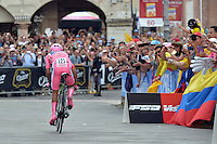 ITALIA - 30-05-2014. Nayro Quintana, ciclista colombiano del equipo Movistar, durante etapa 19 entre entre  Bassano del Grappa y Cima Grappa sobre 26,8  kilómetros, en la versión 97 del Giro de Italia / Nayro Quintana, Colombian cyclist of the Movistar Team during the stage 19 between  Bassano del Grappa y Cima Grappa about 26,8   kilometers, in version 97 of the Giro d'Italia.    Photo: VizzorImage/ Gian Mattia D'Alberto / LaPresse……….VIZZORIMAGE PROVIDES THE ACCESS TO THIS PHOTOGRAPH ONLY AS A PRESS AND EDITORIAL SERVICE AND NOT IS THE OWNER OF COPYRIGHT; ANOTHER USE HAVE ADDITIONAL PERMITS AND IS  REPONSABILITY OF THE END USER