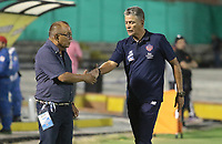 NEIVA - COLOMBIA, 15-09-2019: Jorge Luis Bernal técnico del Huila y Luis Grau asistente técnico de Junior se saludan previo al partido por la fecha 11 de la Liga Águila II 2019 entre Atlético Huila y Atlético Junior jugado en el estadio Guillermo Plazas Alcid de la ciudad de Neiva. / Jorge Luis Bernal coach of Huila and Luis Grau assistant coach of Junior shakes hands prior the match for the date 11 of the Liga Aguila II 2019 between Atletico Huila and Atletico Junior played at the Guillermo Plazas Alcid stadium of Neiva city. VizzorImage / Sergio Reyes / Cont