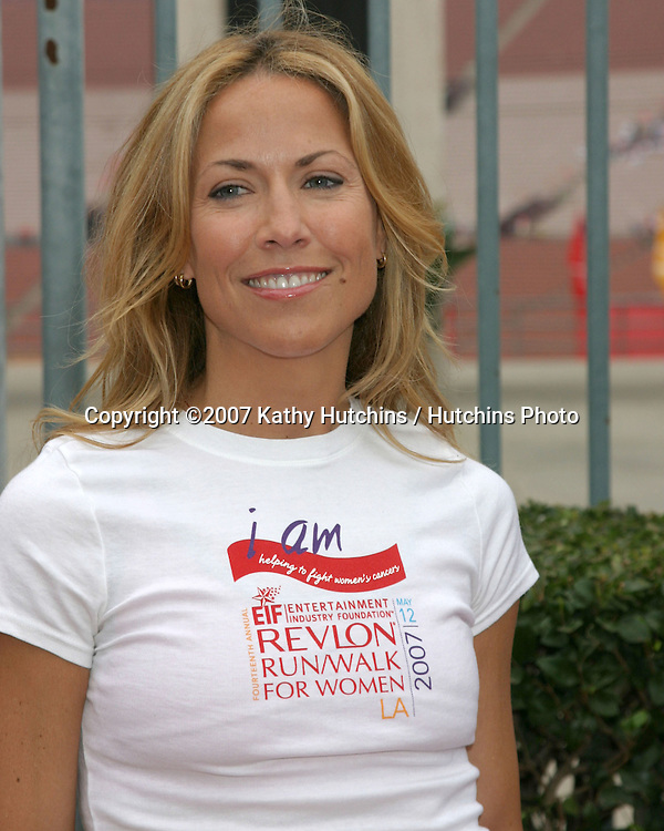 Sheryl Crow.Revlon Run/Walk LA 2007.Los Angeles, CA.May 12, 2007.©2007 Kathy Hutchins / Hutchins Photo....