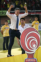 CÚCUTA - COLOMBIA, 26-11-2018:Lucas Pusineri director técnico  del Cúcuta Deportivo celebra al ganar el campeonato nacional Torneo Aguila 2018 al vencer al Unión Magdalena ./Lucas Pusineri coach of Cúcuta Deportivo  celebrates by winning the 2018 Aguila National Championship by beating the Magdalena Union.  Photo: VizzorImage / Manuel Hernández / Contribuidor