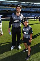 Kane Williamson with ANZ coin toss winner.<br /> New Zealand Black Caps v Australia.Tri-Series International Twenty20 cricket. Eden Park, Auckland, New Zealand. Friday 16 February 2018. &copy; Copyright Photo: Andrew Cornaga / www.Photosport.nz