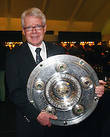 FUSSBALL   1. BUNDESLIGA   SAISON 2011/2012   34. SPIELTAG Borussia Dortmund feiert im Restaurant View in Dortmund die Meisterschaft am 05.05.2012 Praesident Reinhard Rauball