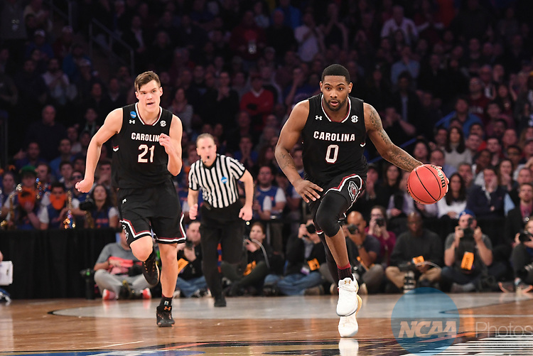 NEW YORK, NY - MARCH 26: Sindarius Thornwell #0 of the South Carolina Gamecocks during a game against the Florida Gators during the 2017 NCAA Men's Basketball Tournament held at Madison Square Garden on March 26, 2017 in New York City. (Photo by Justin Tafoya/NCAA Photos via Getty Images)