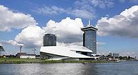 Nederland Amsterdam - 2019. Amsterdam Noord met Filminsituut EYE, de A'DAM Toren en links woontoren B'mine. Foto Berlinda van Dam / Hollandse Hoogte