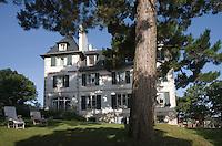 """Europe/France/Bretagne/29/Finistère/Ste-Marine:Hotel-Restaurant """"La Villa Tri Men"""" la Villa  années 30 dans son parc avec ses pins"""