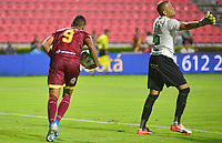 IBAGUE – COLOMBIA, 03-10-2019: Jorge Ramos del Tolima celebra después de anotar el primer gol de su equipo partido entre Deportes Tolima y Deportivo Cali por la fecha 14 de la Liga Águila II 2019 jugado en el estadio Manuel Murillo Toro de la ciudad de Ibagué. / Jorge Ramos of Tolima celebrates after scoring the first goal of his team during match between Deportes Tolima and Deportivo Cali for the date 14 as part of Aguila League II 2019 played at Manuel Murillo Toro stadium in Ibague. Photo: VizzorImage / Juan Carlos Escobar / Cont