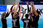 03.12.2017, Halle Berg Fidel, Muenster<br />Volleyball, Bundesliga Frauen, Normalrunde, USC MŸnster / Muenster vs. Rote Raben Vilsbiburg<br /><br />Laura KŸnzler / Kuenzler (#5 Vilsbiburg), Ilka van de Vyver (#8 Vilsbiburg), Leonie Schwertmann (#18 Vilsbiburg), Dayana Patricia Segovia elles (#3 Vilsbiburg), Lena Stigrot (#14 Vilsbiburg), Jennifer Pettke (#15 Vilsbiburg)<br /><br />  Foto &copy; nordphoto / Kurth