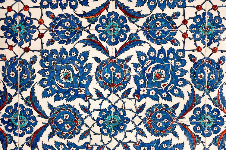 Iznik 13 - Stylized flower and leaf motifs on Iznik tiles in Rustem Pasa Mosque, Eminonu, Istanbul, Turkey