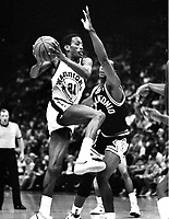 "Golden State Warriors Eric ""Sleepy"" Floyd against San Antonio Spurs Mike Mitchell..(1987 photo/Ron <br />