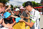 Warren Barguil (FRA) Team Fortuneo-Samsic with fans at sign on before the start of Stage 15 of the 2018 Tour de France running 181.5km from Millau to Carcassonne, France. 22nd July 2018. <br /> Picture: ASO/Alex Broadway | Cyclefile<br /> All photos usage must carry mandatory copyright credit (&copy; Cyclefile | ASO/Alex Broadway)
