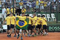 SÃO JOSÉ DO RIO PRETO, 15   DE SETEMBRO DE 2012 - ESPORTES - TÊNIS - COPA DAVIS 2012 - BRASIL X RÚSSIA - Rogério Dutra Silva comemora (C) após vitória  Durante patida entre a equipe da RÚSSIA, válida pelo playoff do grupo mundial da copa Davis, no Harmonia tênis clube, neste sábado (15)  as 15hs na cidade de São José do Rio Preto, no interior do estado de SÃO PAULO. FOTOS: DORIVAL ROSA/ AG BRAZIL PHOTO PRESS