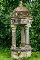 France, Indre-et-Loire (37), Amboise, la pagode de Chanteloup, le puits de Chanteloup, offert en 1991 et provenant de la démollition du château de Chanteloup