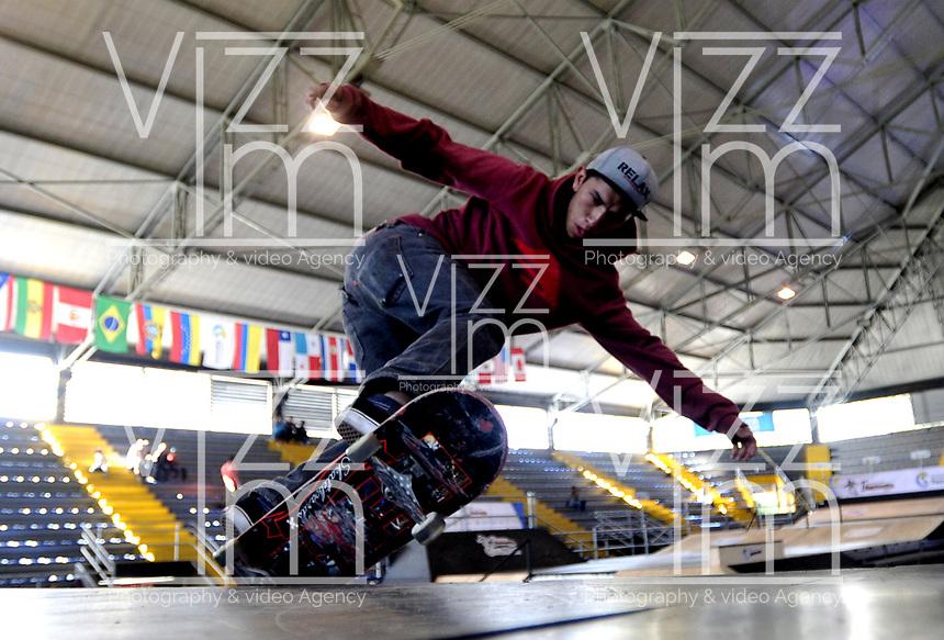 BOGOTA - COLOMBIA - 13 - 08 - 2017: Julian Lopez, Skater de Colombia, durante competencia en el Primer Campeonato Panamericano de Skateboarding, que se realiza en el Palacio de los Deportes en la Ciudad de Bogota. / Julian Lopez, Skater from Colombia, during a competitions in the First Pan American Championship of Skateboarding, that takes place in the Palace of Sports in the City of Bogota. Photo: VizzorImage / Luis Ramirez / Staff.