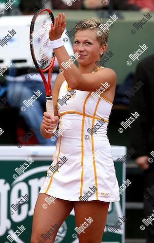 28-05-2007 TENNIS:ROLAND GARROS 2007:PARIJS.Vreugde bij Michaella Krajicek na winst tegen Severine Bremond..Foto: Maarten Straetemans