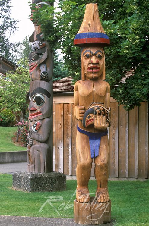 N.A., Canada, British Columbia, Vancouver Island, Duncan, Quw'tsun' Cultural Center, Totem Poles