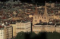 Europe/France/Rhône-Alpes/69/Rhône/Lyon: L'église Saint-Nizier vue depuis la basilique Notre-Dame-de-Fourvière (1896 Gothico-byzantine)