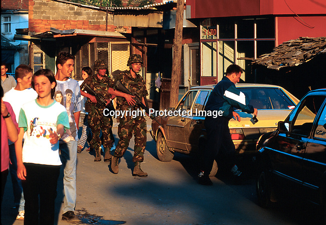 NATO soldiers patroling the streets of Pritzren, Kosovo a week after they entered Kosovo and Serb troops left..Photo: Per-Anders Pettersson (ppettersso@aol.com)