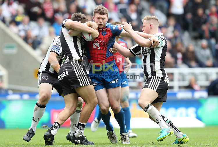 Picture by John Clifton/SWpix.com - 20/05/2017 - Rugby League - Dacia Magic Weekend - Widnes Vikings v Wakefield Trinity - St James' Park, Newcastle, England - <br />James Batchelor of Wakefield Trinity