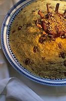"""Europe/France/Ile-de-France/Paris: Restaurant """"La Mansouria"""" - Service des couscous - Couscous dessert"""