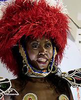 RIO DE JANEIRO, RJ, 20 DE FEVEREIRO 2012 - CARNAVAL 2012 - DESFILE UNIAO DA ILHA  - Desfile da escola de samba Uniao da Ilha no segundo dia de desfiles das Escolas de Samba do Grupo Especial do Rio de Janeiro, no sambódromo da Marques de Sapucaí, no centro da cidade.  (FOTO: VANESSA CARVALHO - BRAZIL PHOTO PRESS).