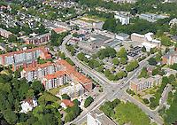Glinde:EUROPA, DEUTSCHLAND, SCHLESWIG- HOLSTEIN, GLINDE 23.06.2005:Glinde Zentrum mit Mehrfamilienhausbau an derMoellner Landstrasse .Luftaufnahme, Luftbild,  Luftansicht.