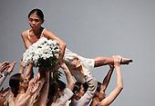 Iphigenie auf Tauris, Tanztheater Wuppertal Pina Bausch, Sadler's Wells, London,