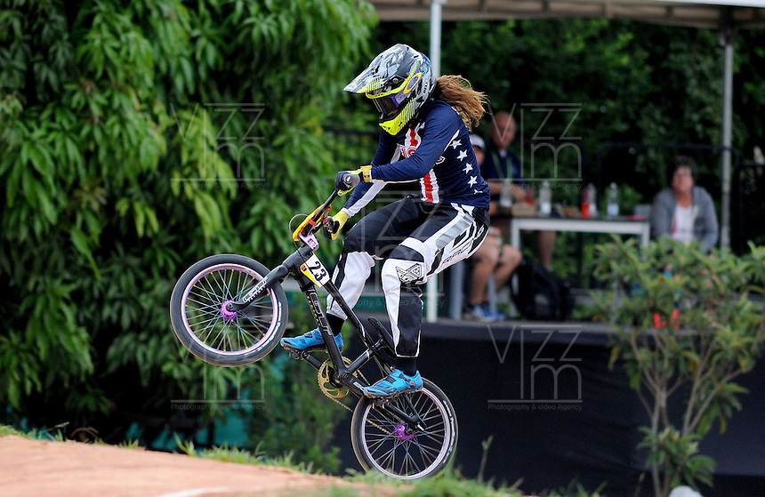 MEDELLIN- COLOMBIA -29-05-2016: Stancil Felicia (USA) durante su participación en la categoría elite mujeres en el marco del Campeonato Mundial de BMX 2016 que se realiza entre el 25 y el 29 de mayo de 2016 en la ciudad de Medellín. /  Stancil Felicia (USA) during her performance in the women elite's categories as part of the 2016 BMX World Championships to be held between 25 and 29 May 2016 in the city of Medellin. Photo: VizzorImage / Cristian Alvarez / CONT