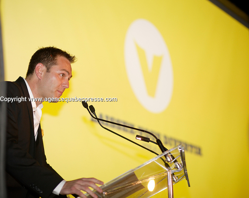Maxime Remillard, Montreal (Qc) CANADA, Lancement Television, TQS, V-Tele,