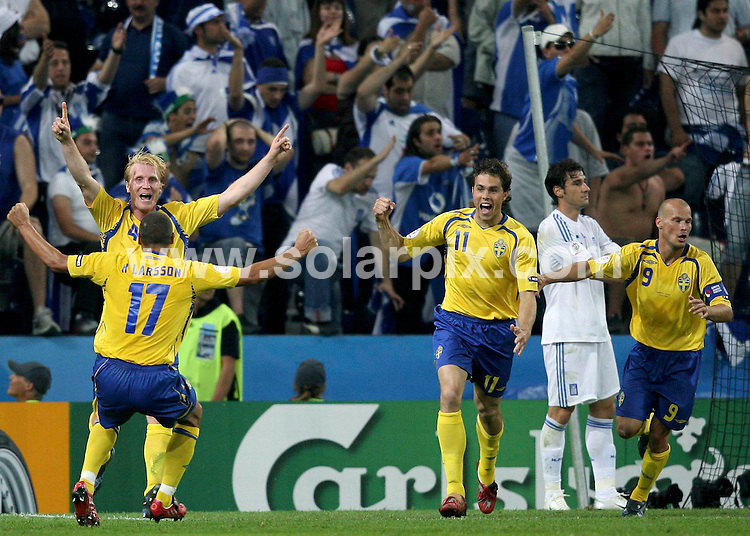 **ALL ROUND PICTURES FROM SOLARPIX.COM**.**SYNDICATION RIGHTS FOR UK AND SPAIN ONLY**.European Championship tournament Euro 2008, Greece versus Sweden at the Wals-Siezenheim Stadium, Salzburg, Austria. Sweden 2 Greece 0. 10th June 2008..This pic: Sweden..JOB REF: 6606 CPR/Ronny Hartmann       .DATE: 10_06_2008.**MUST CREDIT SOLARPIX.COM OR DOUBLE FEE WILL BE CHARGED* *UNDER NO CIRCUMSTANCES IS THIS IMAGE TO BE REPRODUCED FOR ANY ONLINE EDITION WITHOUT PRIOR PERMISSION*