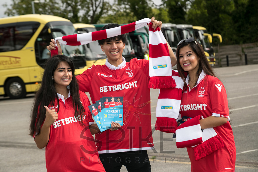 Cheering on Forest from left are Manpreet Kaur, Fadlan Effendi and Gurpreet Kaur