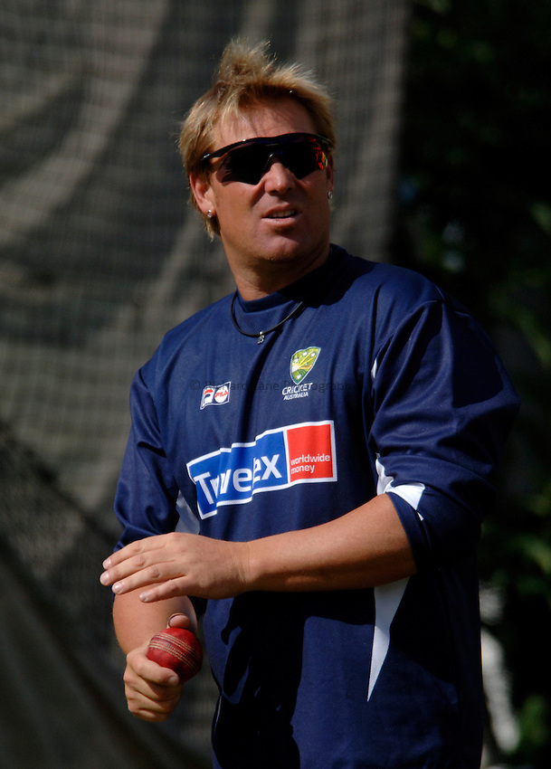 Photo: Glyn Thomas..Australia training. nPower Test Match Series, The Ashes 2nd Test..03/08/2005..Australia's Shane Warne in the nets.