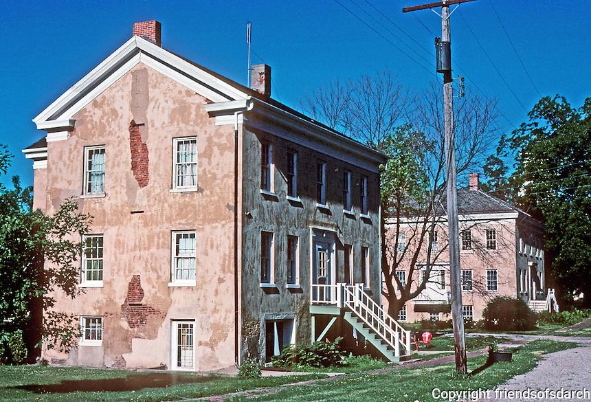 Bishop Hill: Houses. Photo '77.