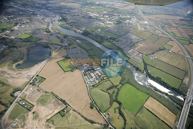 Aerial photograph of Drogheda and surrounding areas, showing the M1 and looking South East over the Boyne. 02/09/05...Photo NEWSFILE/Fran Caffrey.(Photo credit should read Fran Caffrey/NEWSFILE)....This Picture has been sent you under the condtions enclosed by:.Newsfile Ltd..The Studio,.Millmount Abbey,.Drogheda,.Co Meath..Ireland..Tel: +353(0)41-9871240.Fax: +353(0)41-9871260.GSM: +353(0)86-2500958.email: pictures@newsfile.ie.www.newsfile.ie.FTP: 193.120.102.198...This picture is from Fran Caffrey@newsfile.ie