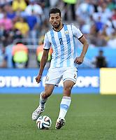 FUSSBALL WM 2014                ACHTELFINALE Argentinien - Schweiz                  01.07.2014 Ezequiel Garay (Argentinien) am Ball