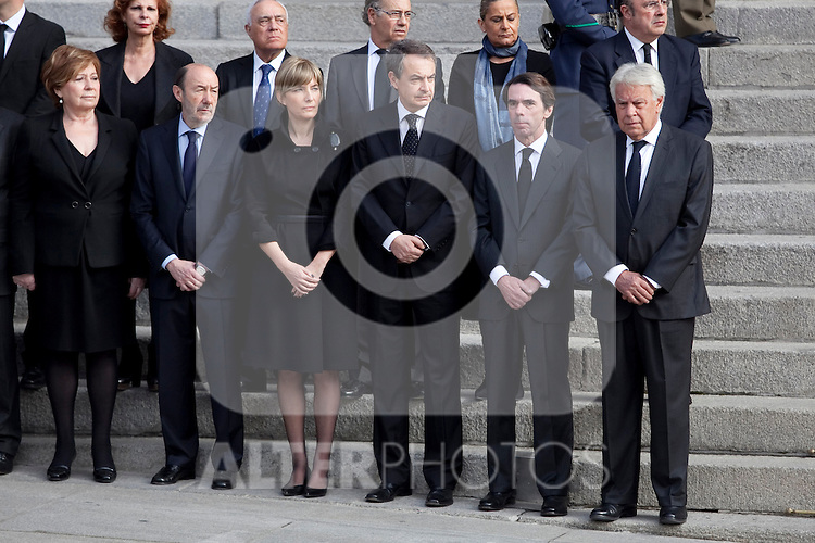 Former presidents Jose Luis Rodriguez Zapatero (3R), Jose Maria Aznar (2R) and Felipe Gonzalez (R) attend former President Adolfo Suarez funeral chapel in Madrid, Spain. March 24, 2014. (ALTERPHOTOS/Victor Blanco)