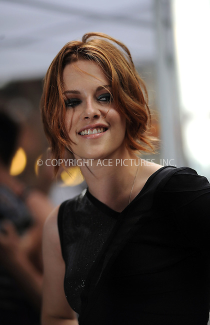 WWW.ACEPIXS.COM . . . . . ....June 28 2010, New York City....Actress Kristen Stewart made an appearance at the 'Late Show with David Letterman' on June 28 2010 in New York City....Please byline: KRISTIN CALLAHAN - ACEPIXS.COM.. . . . . . ..Ace Pictures, Inc:  ..(212) 243-8787 or (646) 679 0430..e-mail: picturedesk@acepixs.com..web: http://www.acepixs.com
