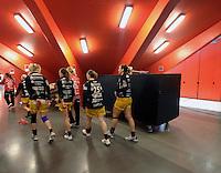 Larvik (Norwegen) - EHF Champions League Hauptrunde - HK Larvik gegen HC Leipzig - 29:19 - Niederlage für HC Leipzig - im Bild: Rückzug der HCL Damen in die Kabine.  Foto: Norman Rembarz..Jegliche kommerzielle Nutzung ist honorar- und mehrwertsteuerpflichtig! Persönlichkeitsrechte sind zu wahren. Es wird keine Haftung übernommen bei Verletzung von Rechten Dritter. Autoren-Nennung gem. §13 UrhGes. wird verlangt. Weitergabe an Dritte nur nach  vorheriger Absprache..