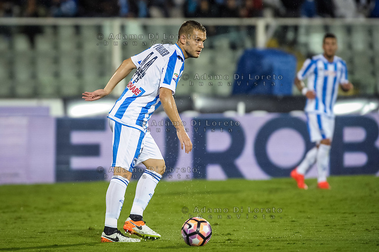 Fornasier Michele (Pescara) during the Italian Serie A football match Pescara vs Torino on September 21, 2016, in Pescara, Italy. Photo di Adamo Di Loreto/BuenaVista*photo