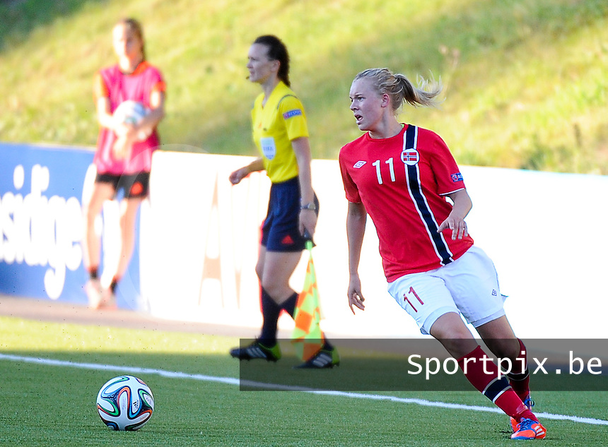 20140718 - Tonsberg , NORWAY : Norwegian Marie Markussen pictured during the female soccer match between Women under 19 teams of Norway and Belgium , on the second matchday in group A of the UEFA Women Under19 European Championship at Tonsberg Stadion , Norway . Friday 18th July 2014 . PHOTO DAVID CATRY