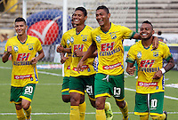 NEIVA - COLOMBIA -13 - 03 - 2016: Los jugadores de Atletico Huila celebran el gol anotado a Deportivo Pasto, durante partido entre Atletico Huila y Deportivo Pasto, por la fecha 9 de la Liga Aguila, I 2016 en el estadio Guillermo Plazas Alcid de Neiva. / The players of Atletico Huila celebrate a goal scored to Deportivo Pasto,  during match between Atletico Huila and Deportivo Pasto, for the date 9 of the Liga Aguila I 2016 at the Guillermo Plazas Alcid Stadium in Neiva city. Photo: VizzorImage  / Sergio Reyes / Cont.