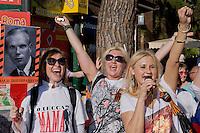 Roma 9 Maggio 2015<br /> La comunit&agrave; russa a Roma a celebrato il 70&deg; anniversario della  vittoria sulla Germania nazista nella guerra del 1941-1945,  al Colosseo.<br /> Rome, May 9, 2015<br /> The Russian community in Rome to celebrate the 70th anniversary of victory over Nazi Germany in the war of 1941-1945, in front of the Colosseum.