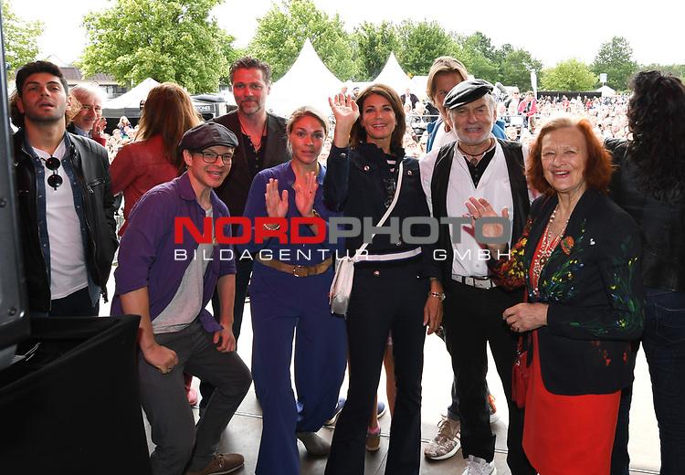 07.07.2019,  Lueneburg, Rote Rosen Fantag,  im Bild Feature die Schauspieler bei der Vorstellung auf der Buehne Foto © nordphoto / Witke