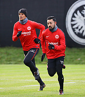 Marco Fabian (Eintracht Frankfurt), Timothy Chandler (Eintracht Frankfurt) - 29.12.2017: Eintracht Frankfurt Training, Commerzbank Arena