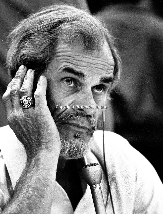 Announcer Bill King, broadcasting Golden State Warriors game in Oakland, he also announced for the Oakland Raiders and the Oakland A's. (1987 photo by Ron Riesterer)