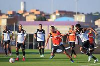 SAO PAULO, SP 16 JULHO 2013 - TREINO CORINTHIANS - Os jogadores do Corinthians Ralf e Gil, treinaram na tarde de hoje, 16, no Ct. Dr. Joaquim Grava, na zona leste de São Paulo. FOTO: PAULO FISCHER/BRAZIL PHOTO PRESS